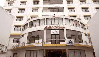 Hotel Adhi Manor