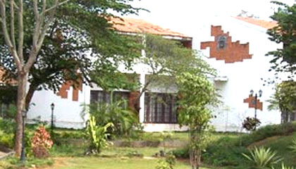 Kadur Inn